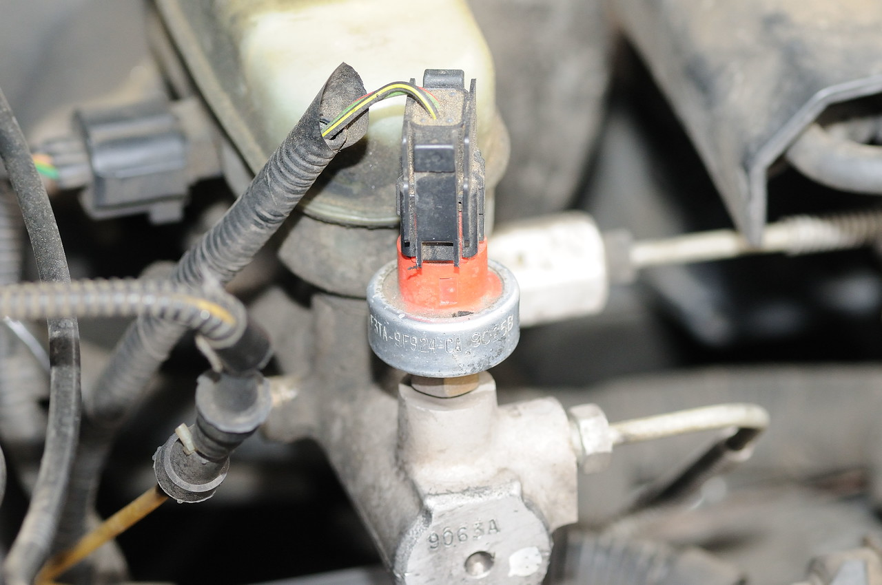 Cruise Control Not Working Ford Truck Enthusiasts Forums 1999 Expedition Fuse Relay Box Block Under Dash Check The Hood To See If Recall Has Been Done On Master Cylinder There Is A Switch